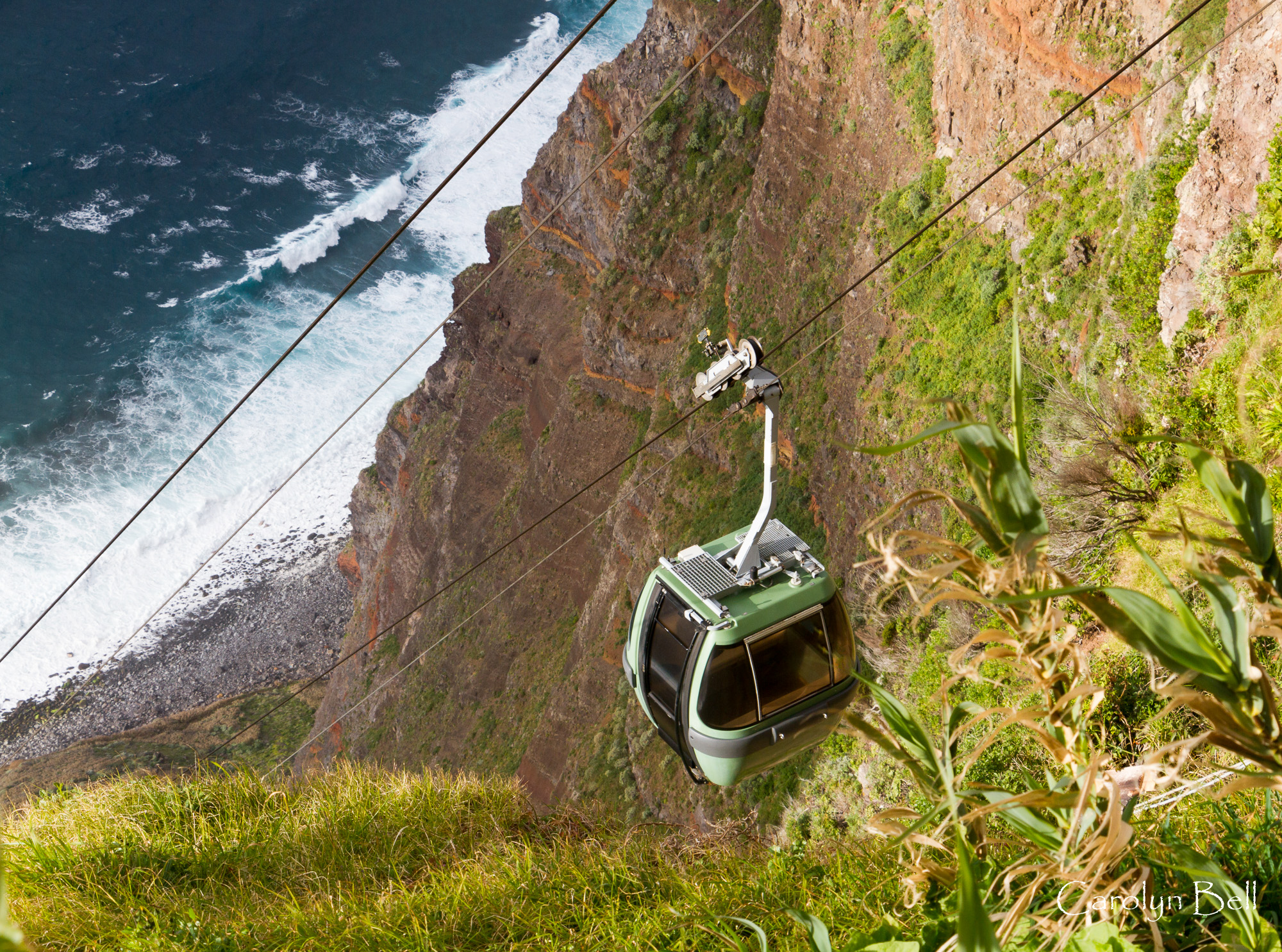 The cable car to Faja da Quebrada Nova