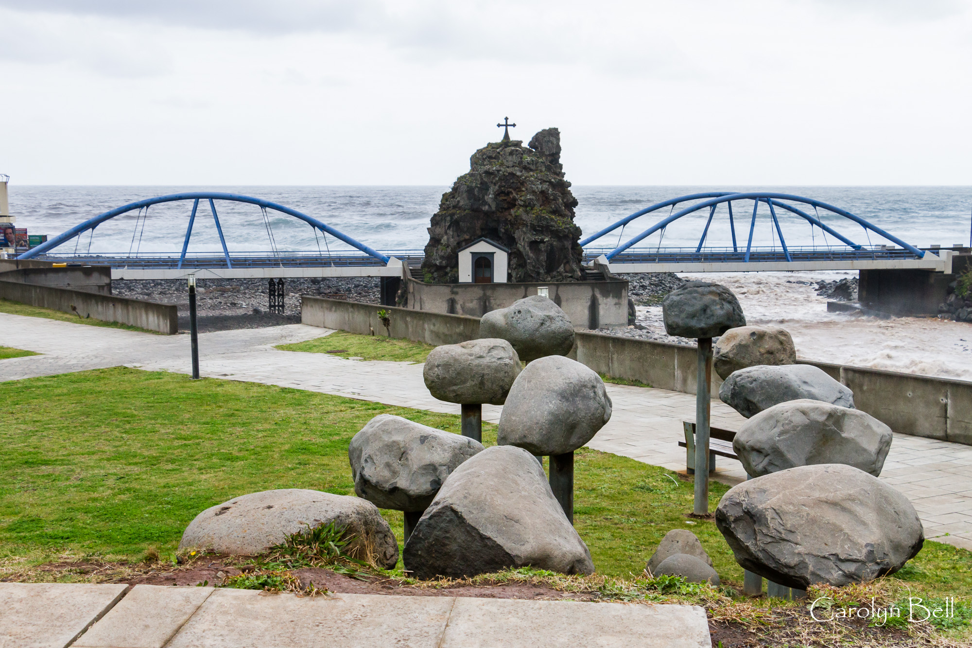 Bridges and sculptures at Sao Vicente