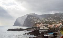Camara de Lobos with the Cabo Girao behind